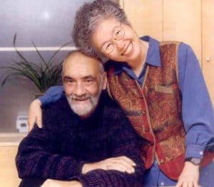 Steve fundó junto a su mujer, Insoo Kim Berg, el Centro de terapia familiar breve de Milwaukee, Wisconsin