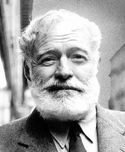 """""""Se necesitan dos años para aprender a hablar y sesenta para aprender a callar"""". Hemingway"""